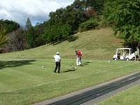 チャリティゴルフ大会を開催しました